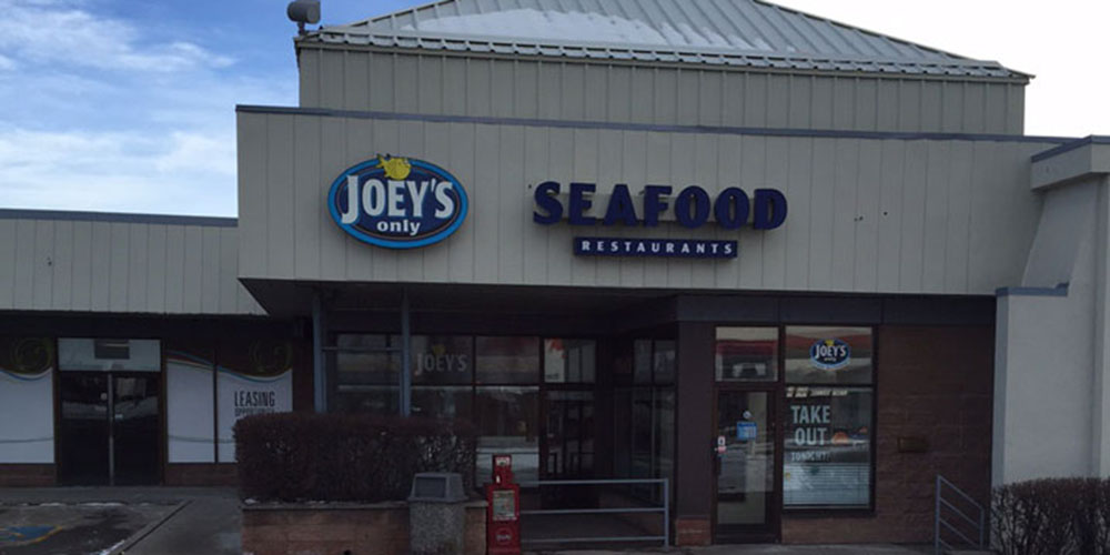 Joey's Macleod Trail exterior