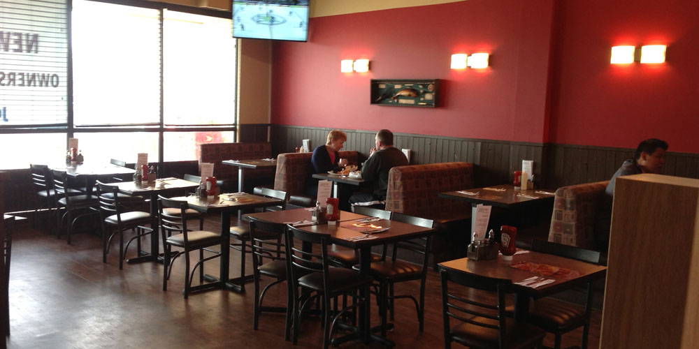 Main dining area at Joey's on 137th Avenue